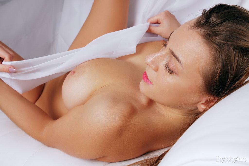 Sexy Ukrainian Busty Strip Hot Babe Teasing Watch Josephine Jackson 12