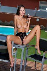 Solo Cute Brunette Naked Strip Show Watch Sonya Blaze